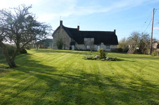 TO LET -  Grade II Listed Farmhouse near Shaftesbury