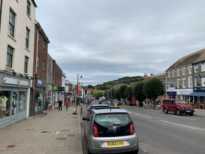 A strong commercial market in Bridport